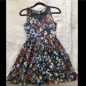 V cut flower dress